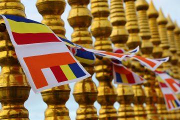 Buddhistische Fahnen Adams Peak Gipfel