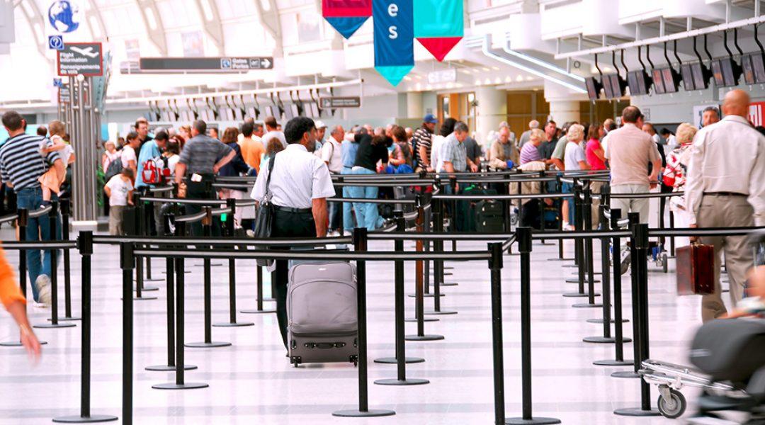 Sicherheitskontrolle Flughafen