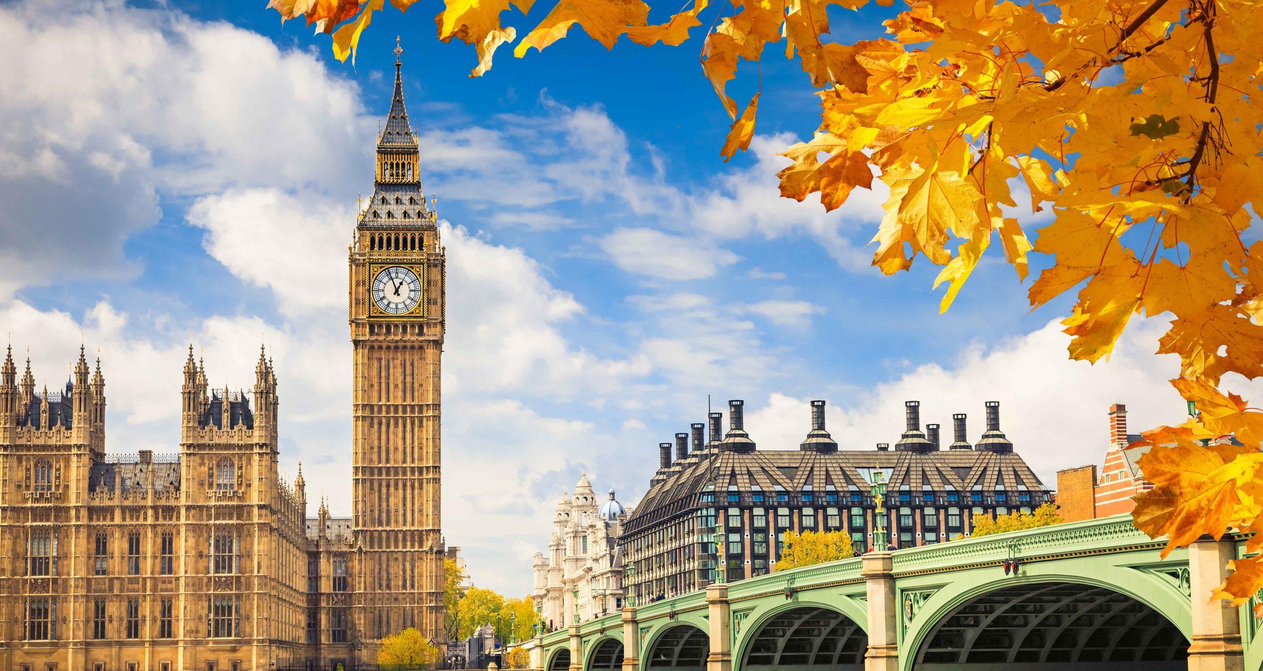 London im Herbst mit Blick über die Themse